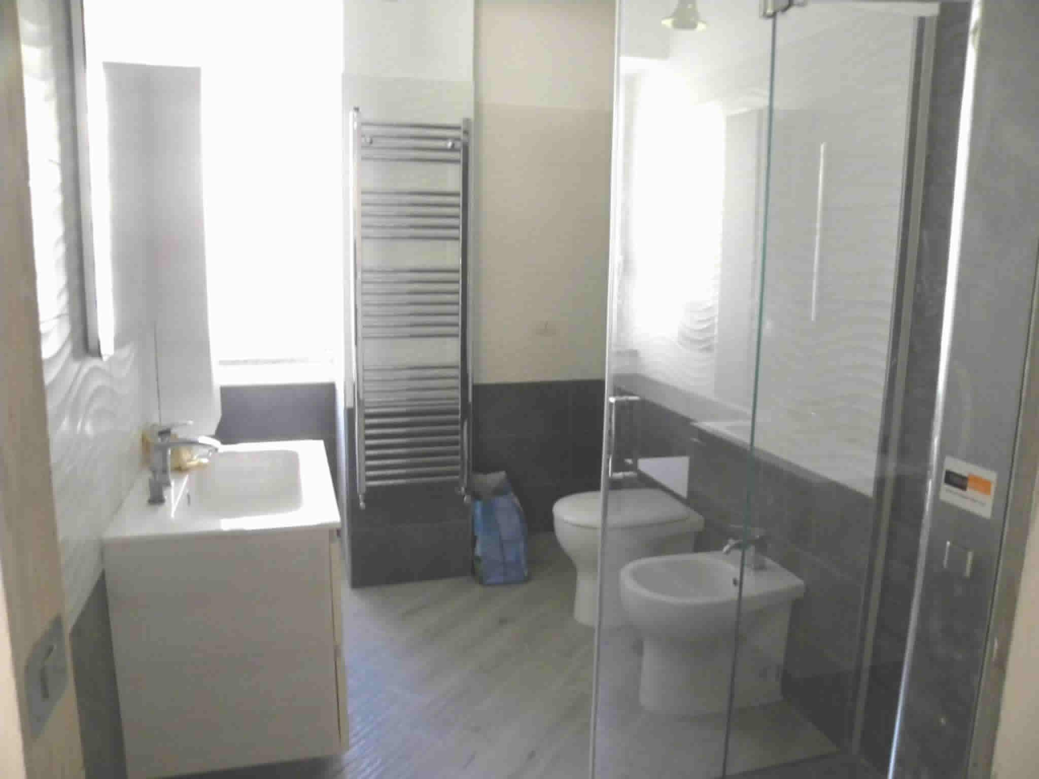 permesso per fare un bagno in piu in casa a roma